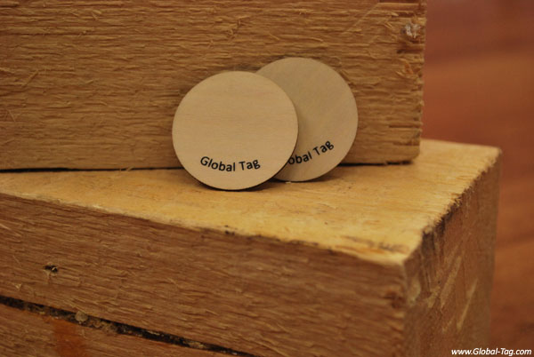 WOODY – Tag RFID en madera natural
